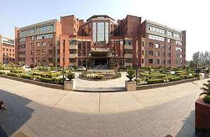 Amity Business School - [ABS], Noida - Course & Fees Details