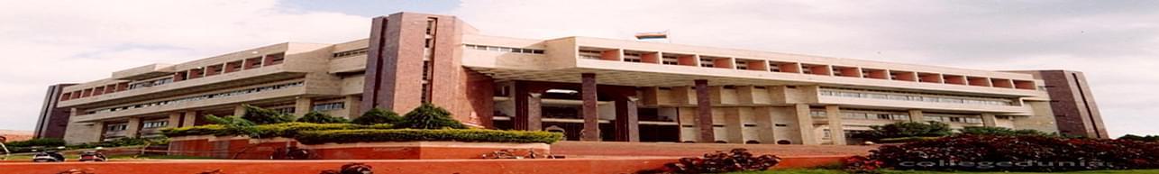 Kavayitri Bahinabai Chaudhari North Maharashtra University, Jalgaon - Reviews