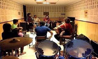 Delhi Guitar School - [DGS], New Delhi